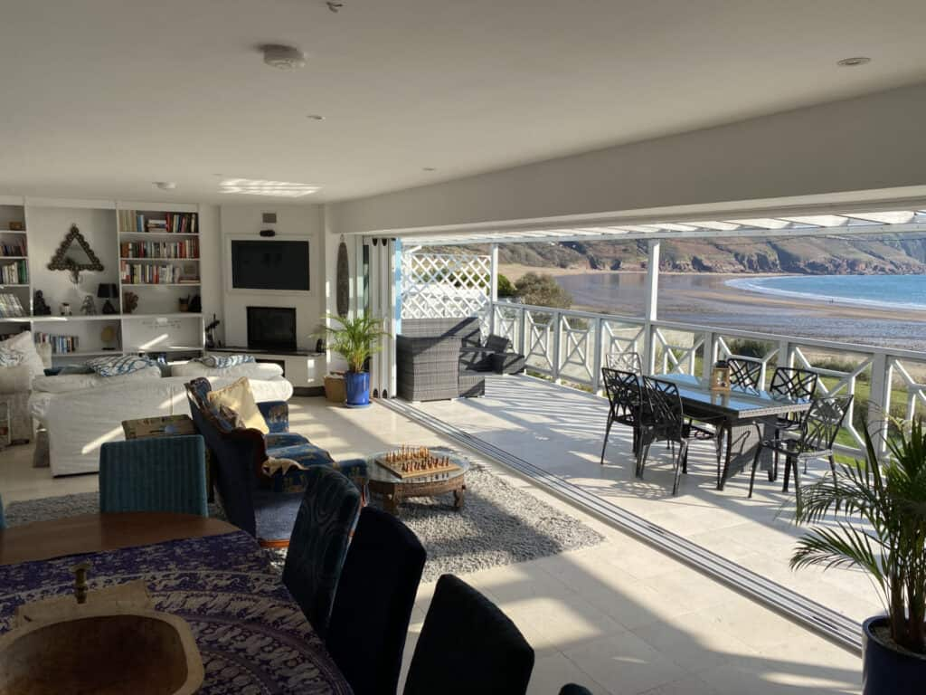 Holiday Rentals with Balcony View Beach Front UK